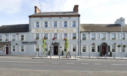Headfort Arms licence renewal deferred after objection from 'citizen'