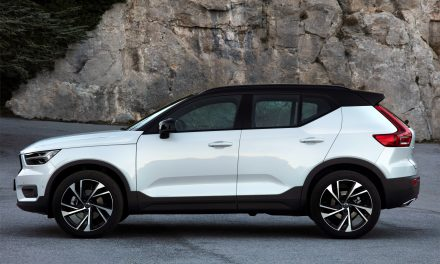 TWIN ENGINE XC40 TRIMS EMISSIONS FOR A PRICE