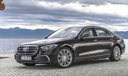 NEW S-CLASS ARRIVES IN IRELAND
