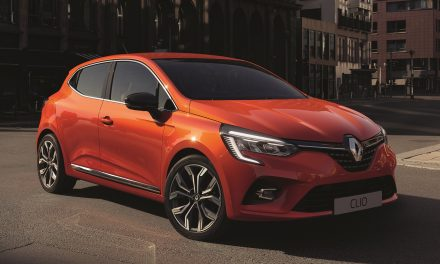 RENAULT OFFERING 'VATBACK' DISCOUNT FOR MARCH